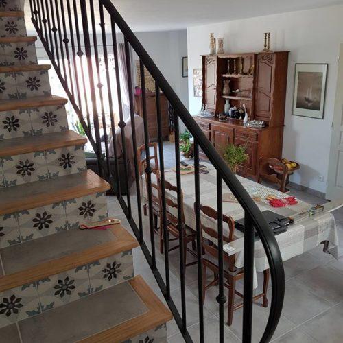 Rampe d'escalier classique en fer forgé par Ferronnerie Martinelli ALthen les Paluds