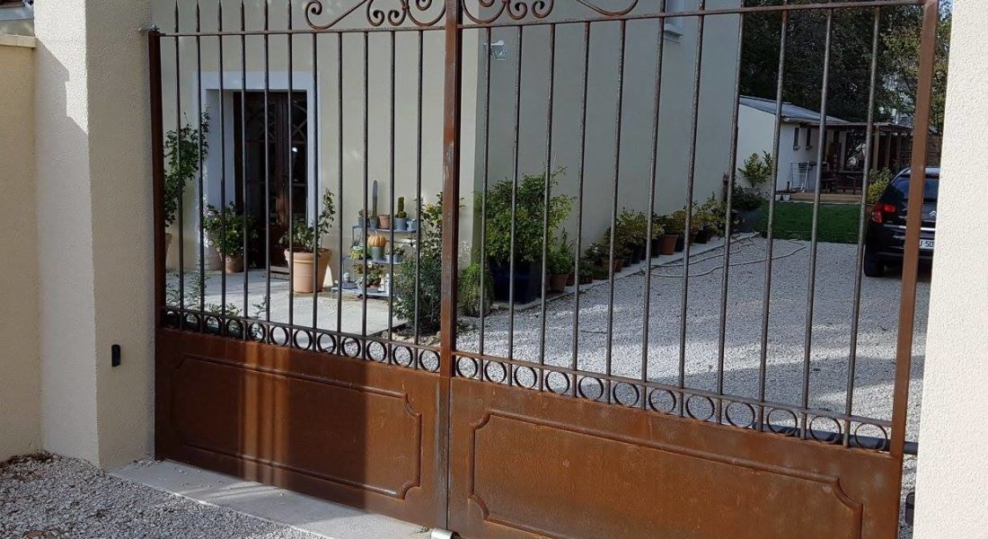 Portail fer forgé par Ferronnerie Martinelli Vaucluse